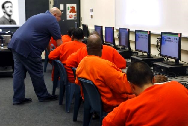 7500 prisoners to be released early to moderate Facebook comments